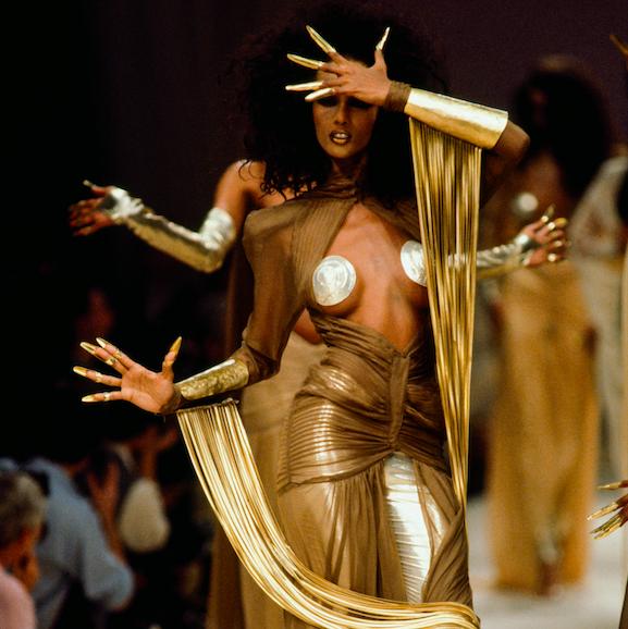 Fashion, Human body, Performance art, Performance, Event, Performing arts, Dance, Art, Action figure, Scene,