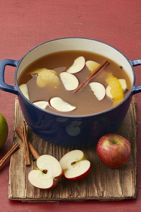 mulled apple cider thanksgiving cocktails