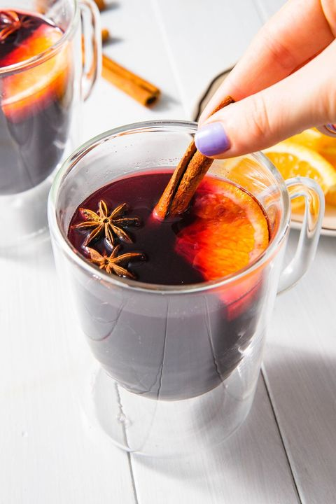 mulled wine christmas cocktails