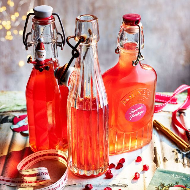 mulled pomegranate gin