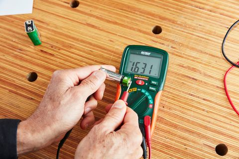 How To Use a Digital Multimeter | What is a Multimeter?