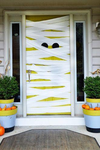 diy mummy halloween front door