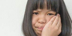 We look at the causes, symptoms, treatment and potential complications of mumps.