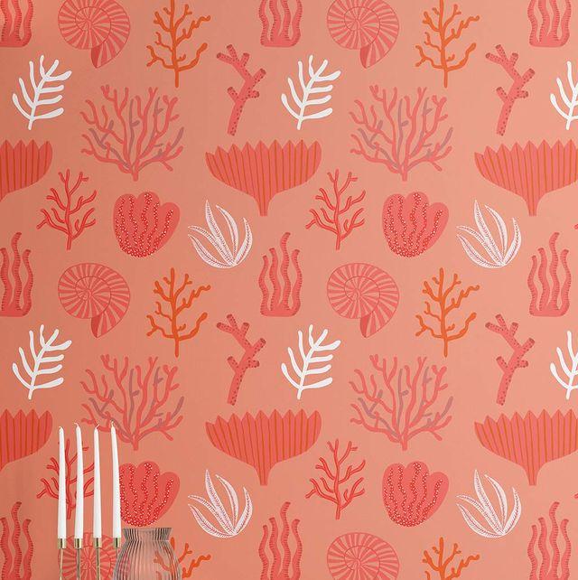 Papel pintado color coral con motivos marinos