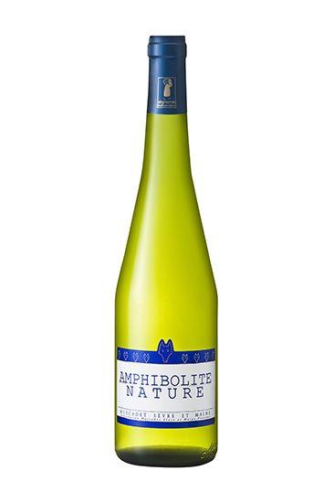 Drink, Bottle, Glass bottle, Alcoholic beverage, Liqueur, Alcohol, Wine bottle, White wine, Wine, Yellow,