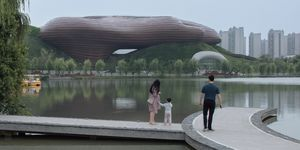 Museo Liyang Floating Melodies de CROX Architecture