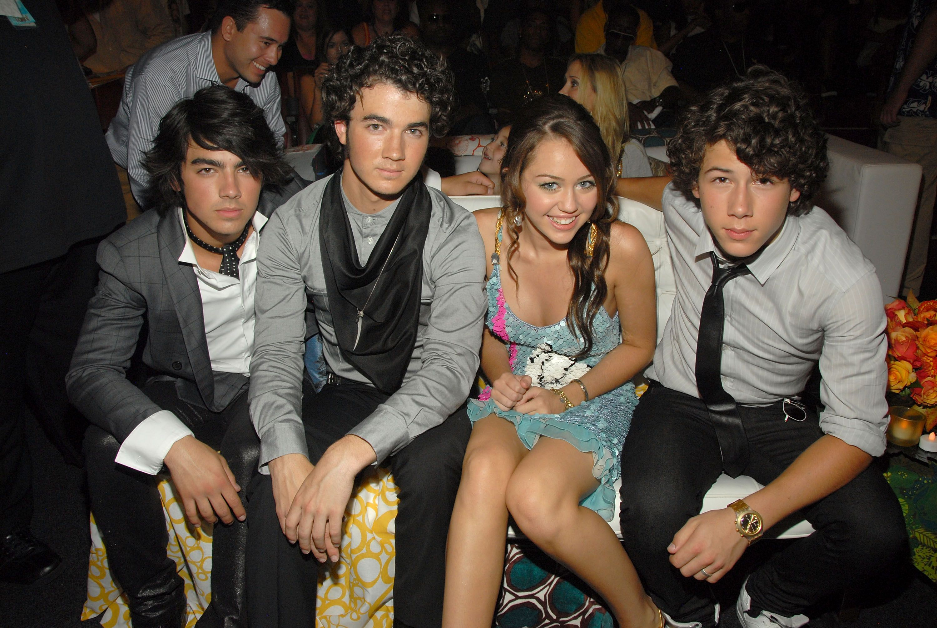 7 things miley cyrus nick jonas dating