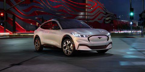 Land vehicle, Vehicle, Car, Automotive design, Mid-size car, Personal luxury car, Luxury vehicle, Performance car, Crossover suv, Full-size car,