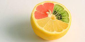 vreemde-fruitsoorten-raar-fruit-ananas-aardbei