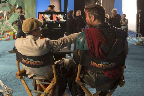 雷神索爾演員們和導演拍戲時玩得很開心