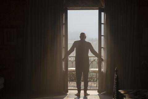 Standing, Light, Sunlight, Window, Shadow, Backlighting, Photography, Room, Door, Darkness,