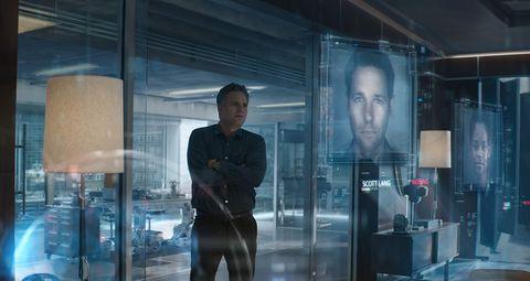 Snapshot, Human, Digital compositing, Glass, Transparent material, Screenshot, Fictional character, Display window, Metal,