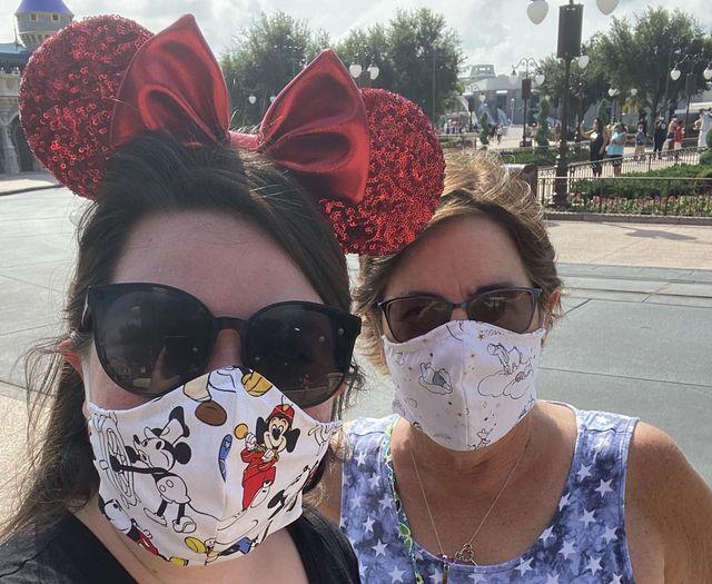 disney world parkgoers wearing masks