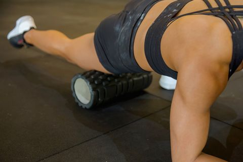 myofascial release with foam roller to reduce muscle stiffness