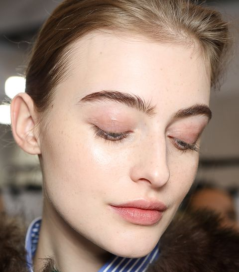 Hair, Eyebrow, Face, Lip, Hairstyle, Fashion, Eyelash, Beauty, Forehead, Cheek,