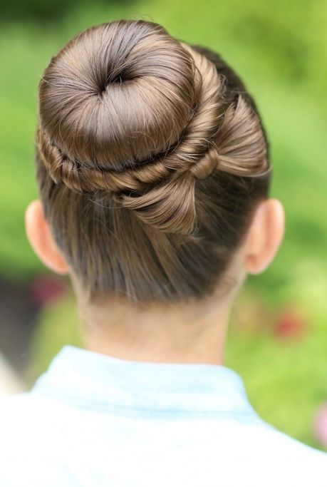 Easter hairstyles - Bow Bun