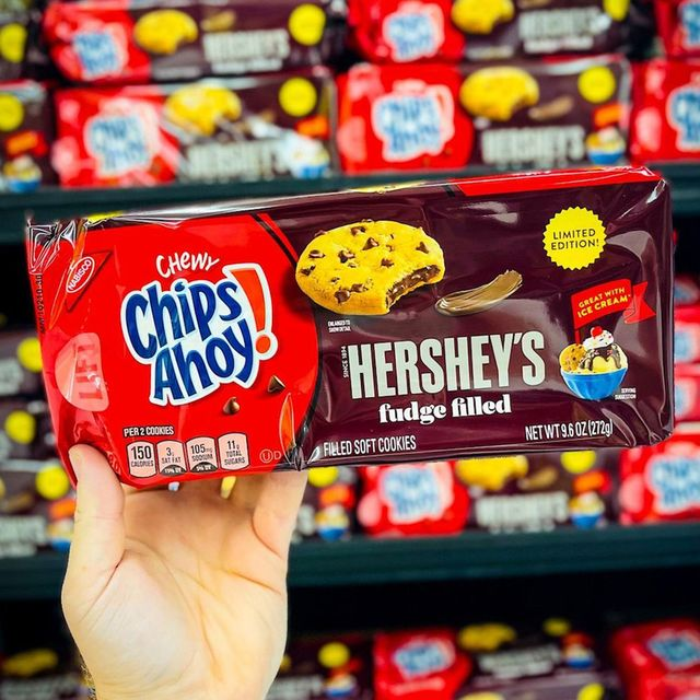 nabisco chips ahoy hershey's fudge filled chewy cookies