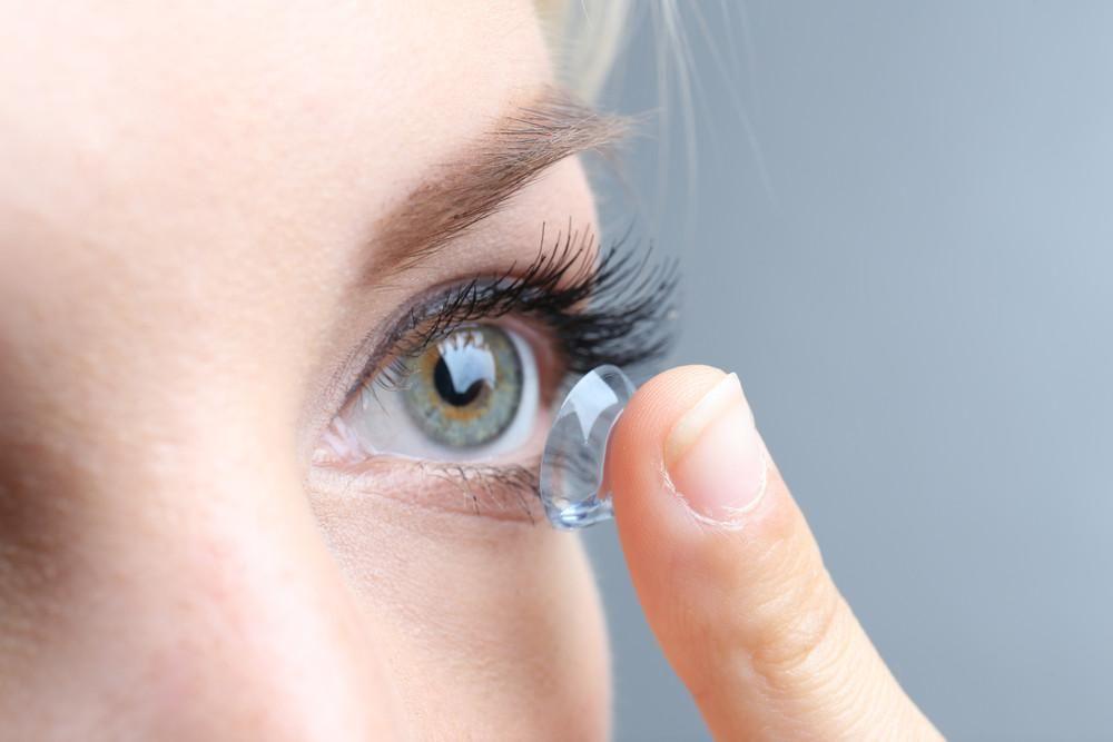 d897114132497b Fantastisch nieuws voor mensen die liever geen lenzen of bril meer jpg  480x320 Aangemeten lenzen