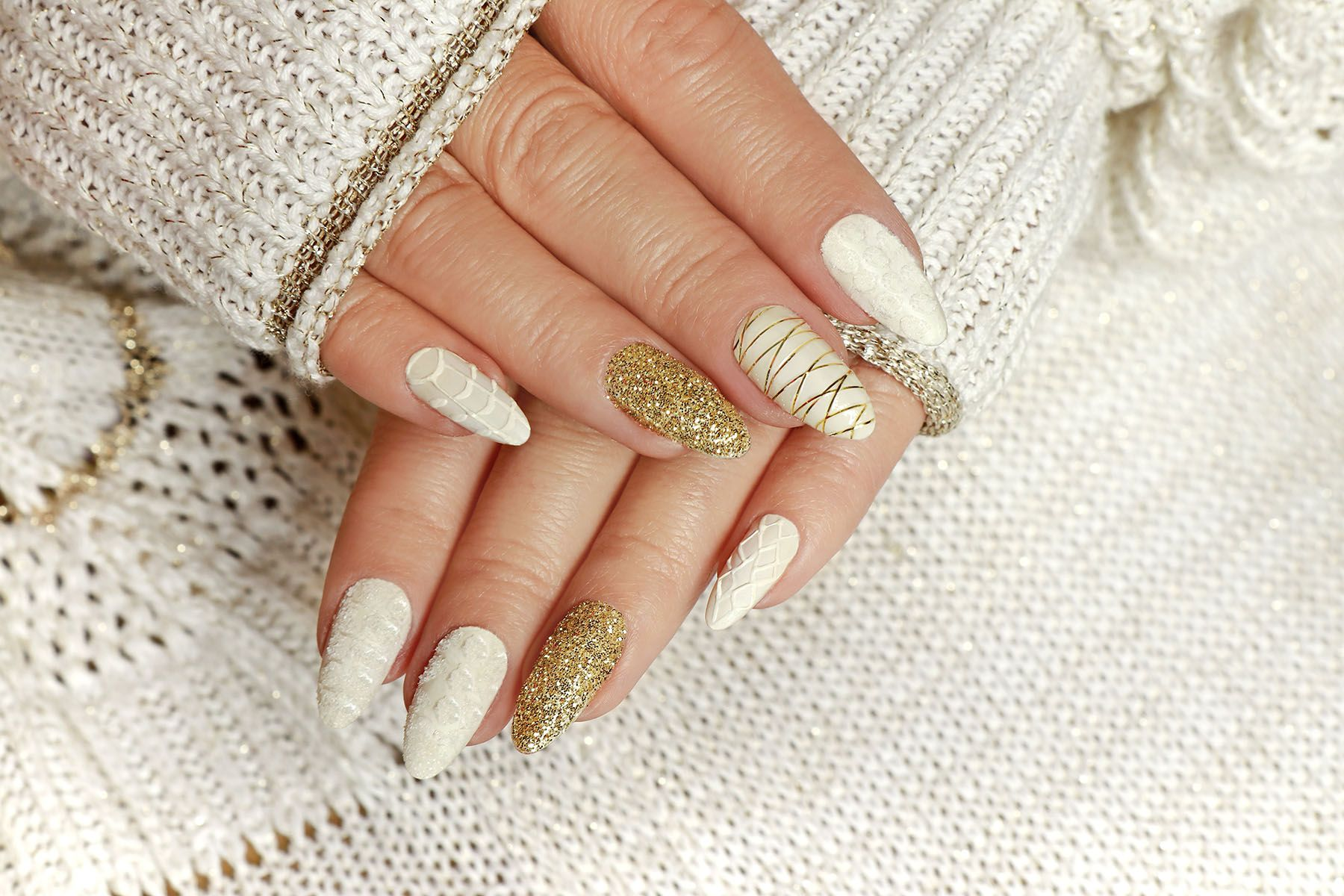 20 Best Winter Nail Designs - Best Winter Nail Ideas 2021