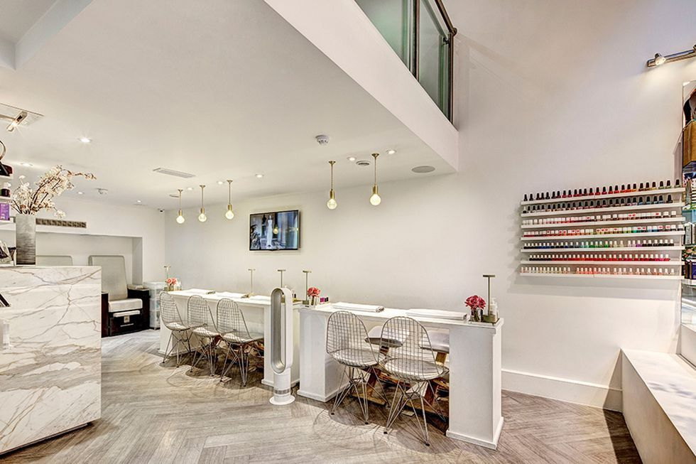 Nails and Brows, Mayfair