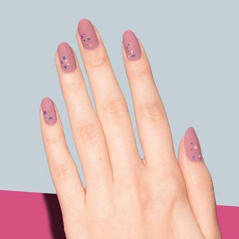 Nail, Finger, Manicure, Nail polish, Nail care, Pink, Hand, Skin, Cosmetics, Violet,