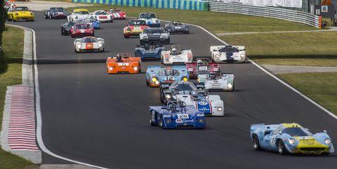 Sports car racing, Race car, Race track, Vehicle, Endurance racing (motorsport), Car, Motorsport, Formula libre, Racing, Auto racing,