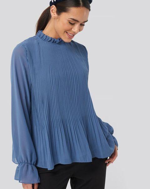 Clothing, Blue, Sleeve, Neck, Cobalt blue, Outerwear, Electric blue, Blouse, Shoulder, Top,