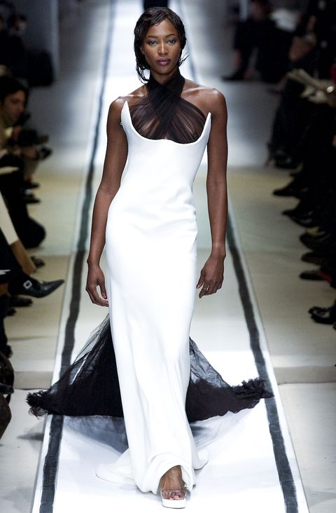 naomi campbell on the jean paul gaultier runway for spring summer 2002 paris haute couture fashion week