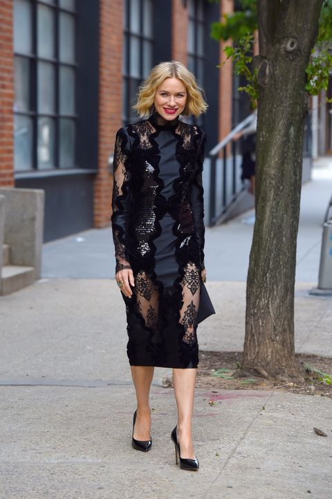 buy popular 22e69 4c9ca Vestito moda 2019: il tubino nero estate 2019 di Naomi Watts