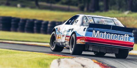 Land vehicle, Vehicle, Touring car racing, Car, Motorsport, Auto racing, Racing, Race car, Stock car racing, Coupé,