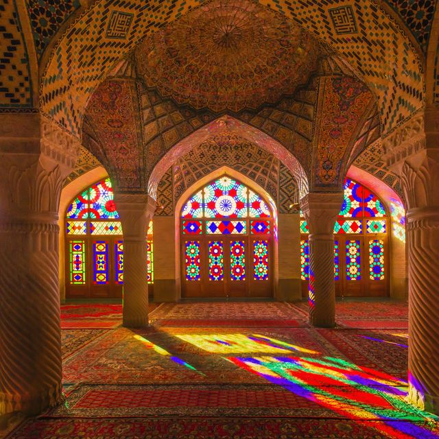 Most Beautiful Mosques in the World - Stunning Mosques to Visit