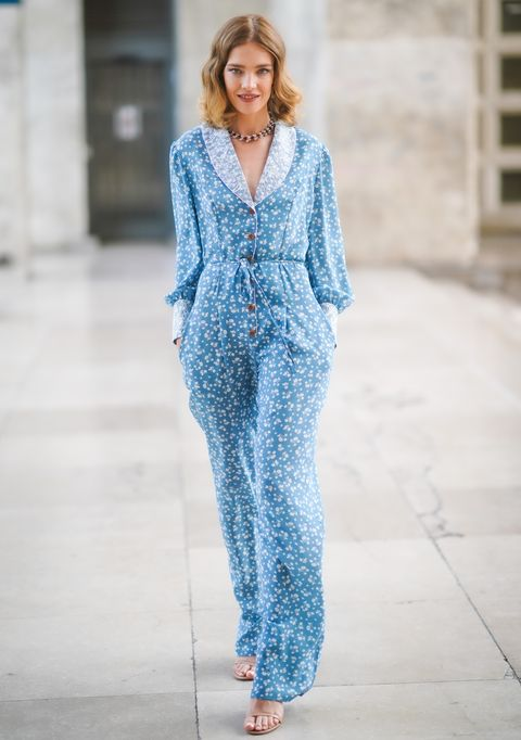 d33eb7f7d0 Street Style : Paris Fashion Week -Haute Couture Fall/Winter 2019/2020 :