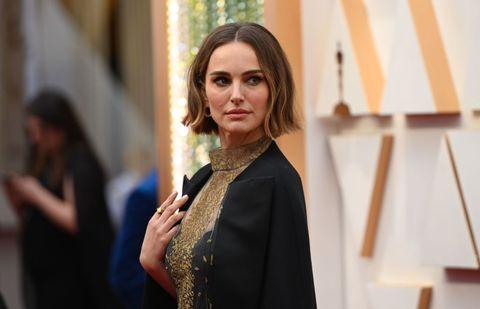 Natalie Portman habla sobre su capa de los Oscars