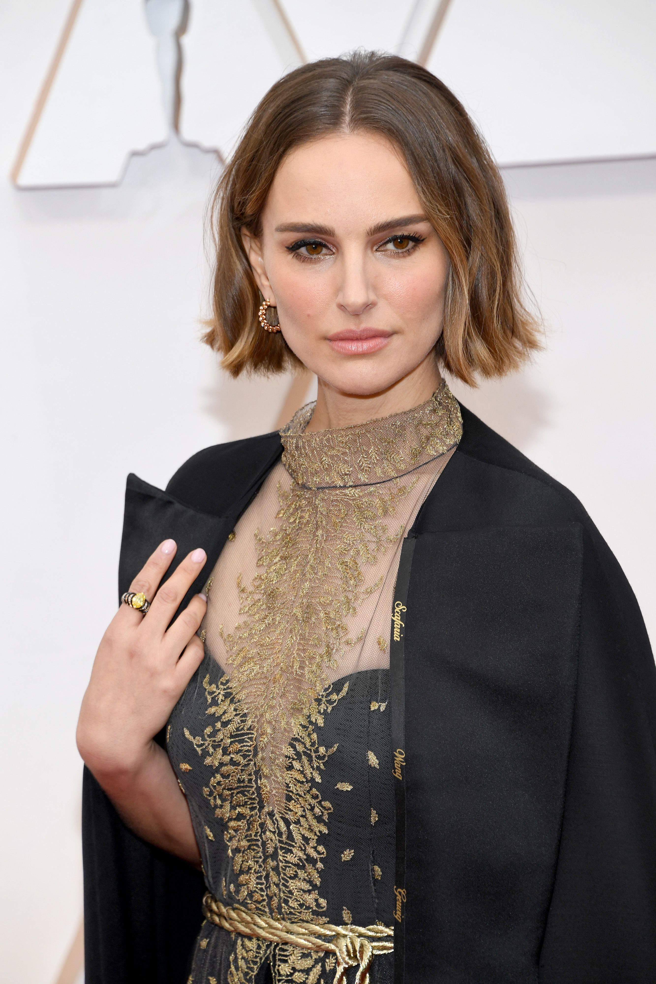 """Natalie Portman Responded to Rose McGowan and Twitter Calling Her Oscars Cape """"Performative"""""""