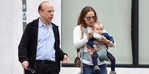 Natalie Portman con su padre y su hija pequeña Amalia en Los Ángeles