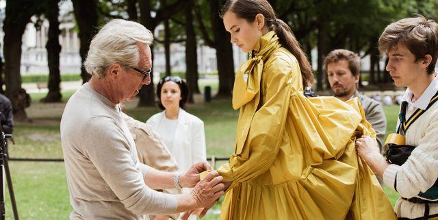 natan haute couture backstage gele jurk