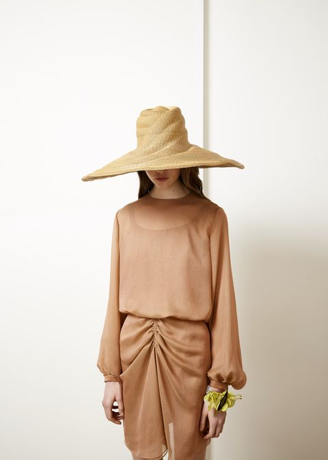 White, Clothing, Shoulder, Beige, Yellow, Fashion, Hat, Tan, Sun hat, Joint,