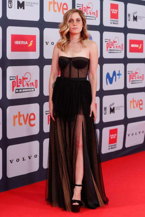alfombra roja de los premios platino 2021