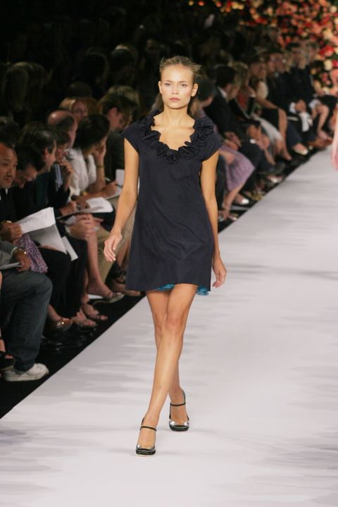 olympus fashion week spring 2005   marc jacobs   runway