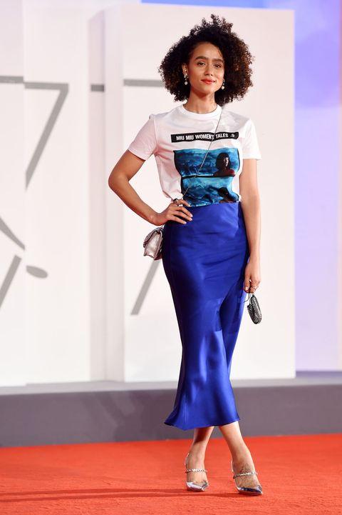 Blue, Shoulder, Joint, Waist, Flooring, Fashion show, Style, Electric blue, Fashion model, Fashion,