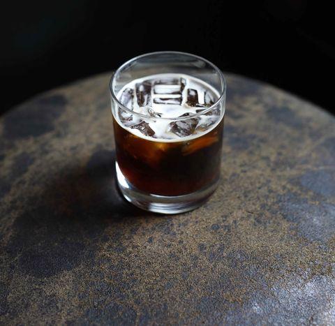 Drink, Old fashioned glass, Liqueur, Distilled beverage, Food, Black russian, Alcohol, Liquid, Glass, Shot glass,