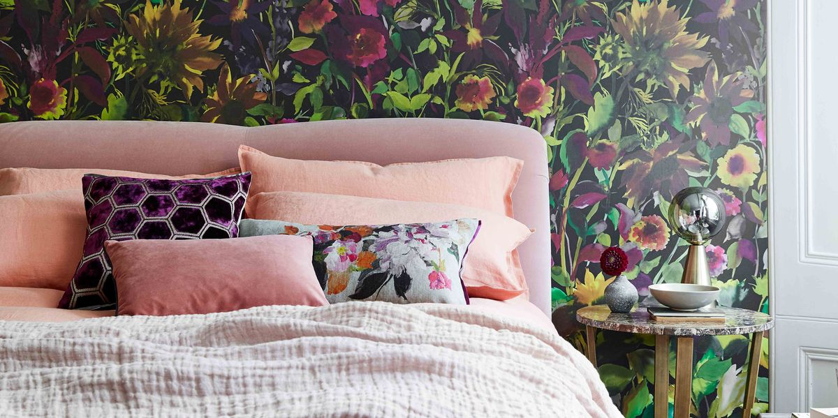 10 ways to style your bed like a pro