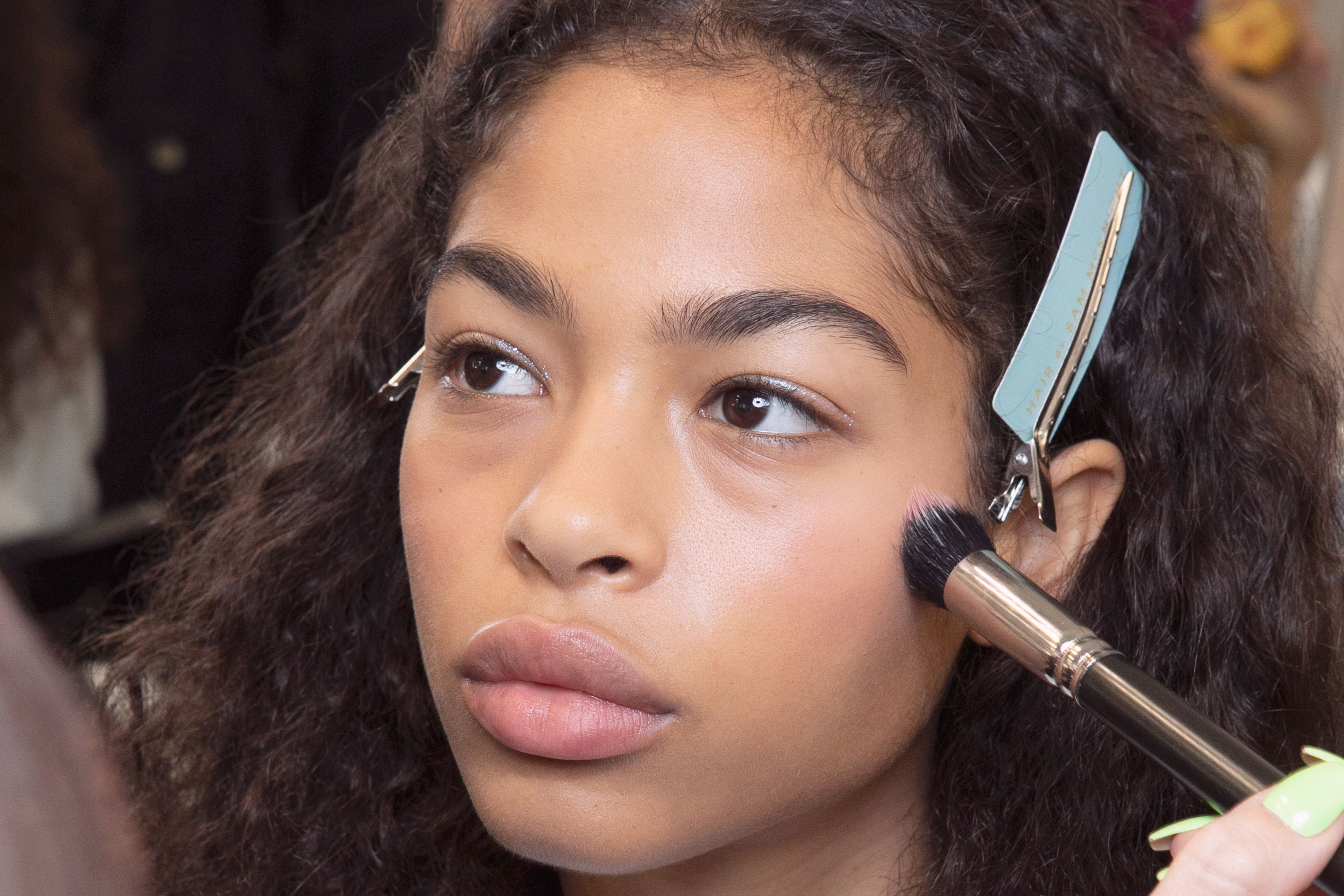 Natural makeup - 9 MAC makeup artist hacks to ensure you always ...
