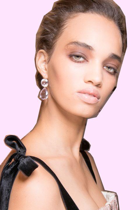 Natural Makeup 9 Mac Makeup Artist Hacks To Ensure You Always Look