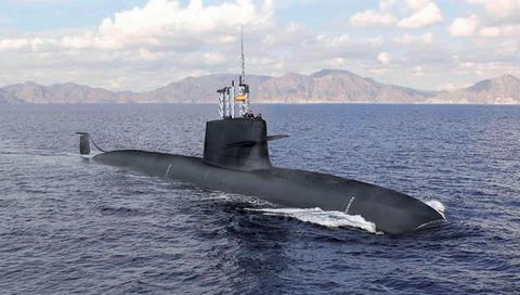 Submarine, Ballistic missile submarine, Vehicle, Cruise missile submarine, Boat, Watercraft, Stealth ship, Deep-submergence rescue vehicle, Marine mammal, Ship,