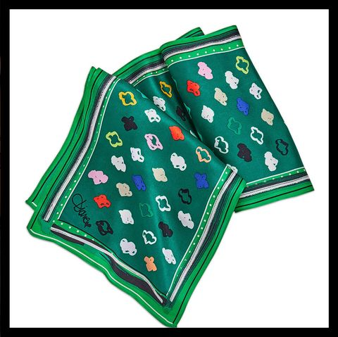Green, Fashion, Tie, Bow tie, Outerwear, Headgear, Street fashion, Fashion accessory, Style, Scarf,