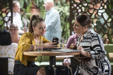 chloe brennan and naomi canning bond in neighbours