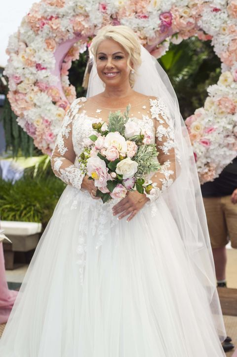 Lucy Robinson's wedding day in Neighbours