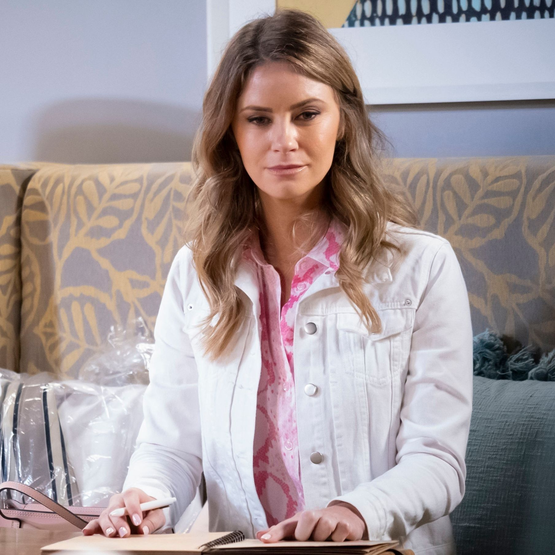 Neighbours' Scarlett Brady shows her true colours by blackmailing Paul Robinson
