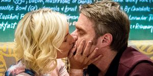 Prue Wallace and Gary Canning kiss in Neighbours